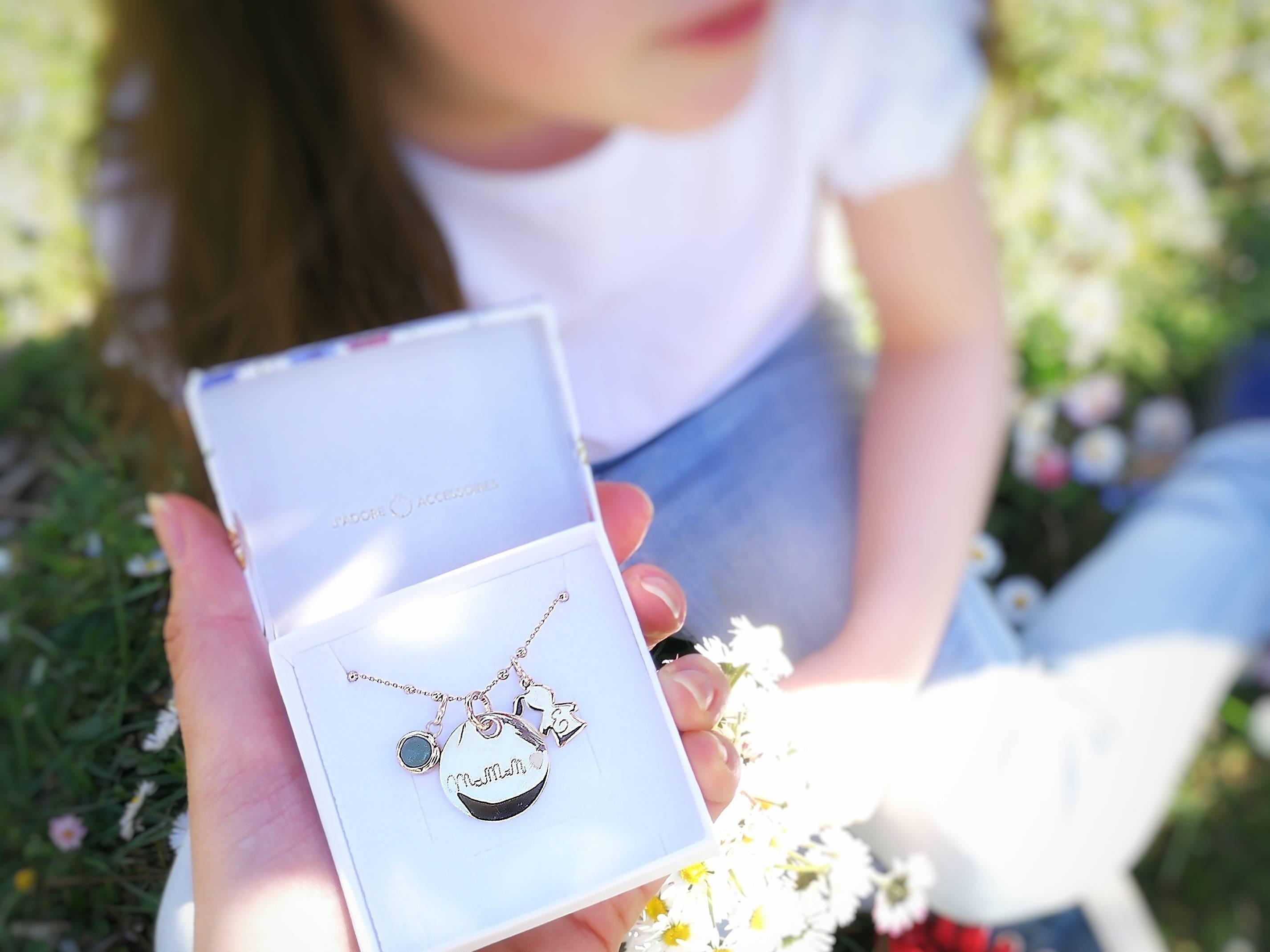cadeau pour maman bijoux personnalisés